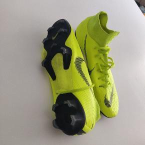 Nike mercurial flyknit