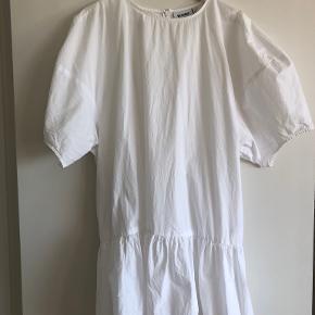 Weekday kjole eller nederdel