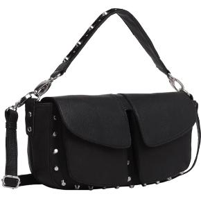 Sælger min unlimit taske i modellen Emily. Endelig skriv for spørgsmål eller andet