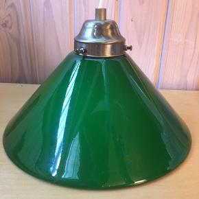 Fin grøn glaslampe! 25 cm i dia. Og 15 høj! Rigtig fin 👍😃