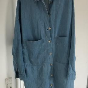 Zara Trafaluc oversize denim shirt / jakke. Brugt få gange.