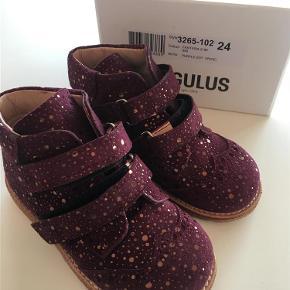 d949382d4145 Varetype  Børne sko Farve  Bordeaux Oprindelig købspris  800 kr.