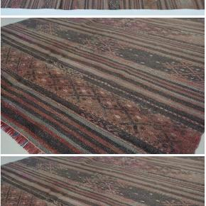Kelim gulvtæppe