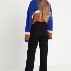 Weekday straight jeans i modellen 'voyage' i str 29x30. Brugt 2-3 gange. Sælges da jeg desværre ikke kan passe dem