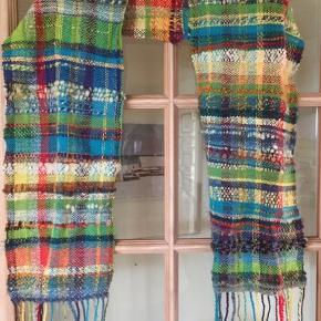 Håndvævet tørklæde. Håndspundet garn, smukke farver ☺️