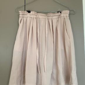 Rosemunde nederdel