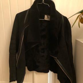 9a025f1ab4d Rulam jakke ! Beklager billedkvaliteten. Kan sagtens sende bedre billeder  og videoer ❤️lækker jakke