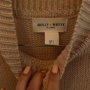 Holly & Whyte sweater