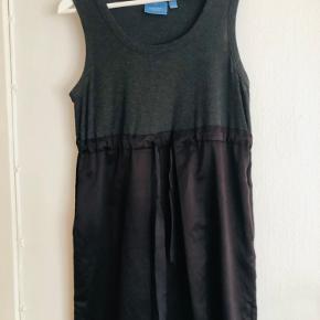 Vera Wang kjole