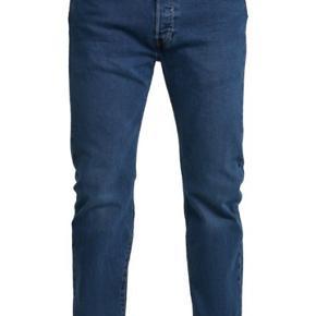 Fede jeans: Levi's 501, w 36 L 32.  Aldrig brugt.
