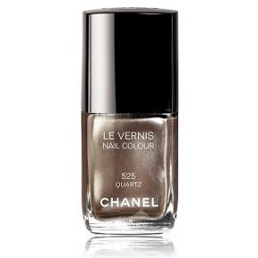 Chanel neglelak i en virkelig flot farve   Pris: 70 kr  Fragt: 37 kr   Det er mit billede det sidste