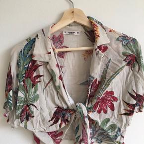 Blomsterskjorte fra Bershka :)