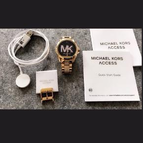 Michael Kors Access  Smartwatch   Smartwatch-oplader Original box