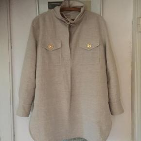 Style Bellah Sender gerne flere billeder. Skjorten er god, men brugt og fremstår med enkelte brugsspor på indersiden af skjorten. Har været til rens en gang.