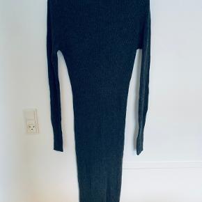 Raey kjole