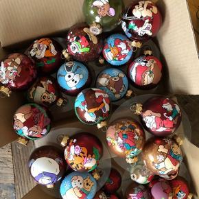 Håndmalede julekugler. 🎄  50 kr og 35 kr pr stk