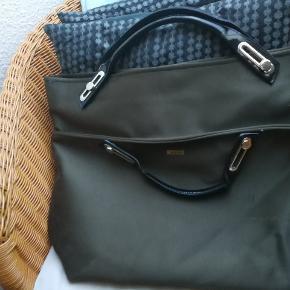 Flot taske fra abbi sælges. Ses og købes i Kolding eller sendes på købers regning! :)
