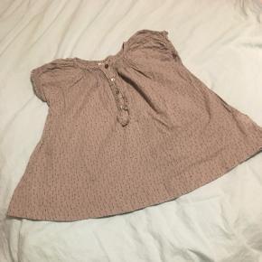 Kjole fra Pomp de Luxe str 2 år.  Fra dyre- og røgfrit hjem.