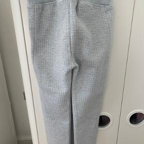 Fine sweatbukser i vaflet mønster. Som nye