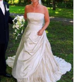 f4a2a054ba08 Så smuk en bailey farvet brudekjole - San Patrick - brugt 1 gang 🥴 og  renset
