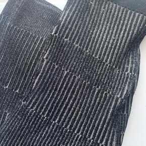 Malene Birger bukser i sølv/ grå. Aldrig brugt.