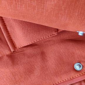 Model Rain 28 - farven hedder Brick red Med aftageligt inderfoer Ny