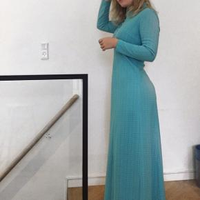 Smukkeste vintage kjole Brugt 1 gang, str Small/medium.  Nypris 1000