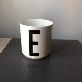"Designletters ""E"" kop"