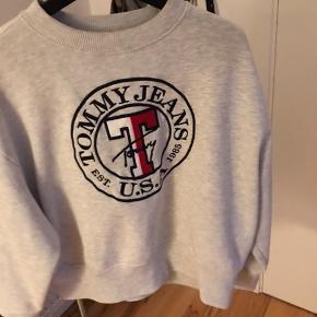 Super fed Sweater  Skriv hvis du er interesseret ❤️ Sender og mødes i Aarhus  Fragt - 39kr