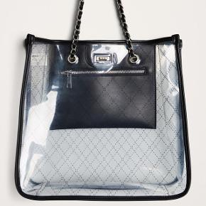 Transparent shoulder bag from Gina Tricot. Brand new! Worn only for photo 😌still with tag on. Pick up only.