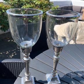 To flotte Lene Bjerre lysestager sælges grundet flytning.  Højde: 46 cm  Sælges samlet til 200 kr