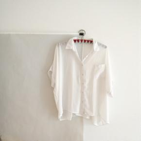 """Kind of """"one size"""" roomy flowy white sheer blousr"""
