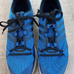 Brugt én gang. De er lidt for store. Lækker Terrex sko.