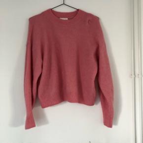 Lyserød sweater da h&m, meget blød og brugt få gange