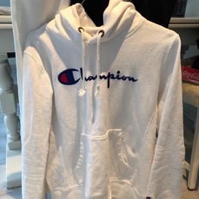 Sælger min hoodie da jeg ikke bruger den længere. BYD