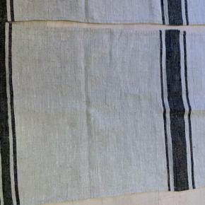 Bordløber vasket en gang Nypris pr. Stk. 259,-  Sælges samlet 100,-