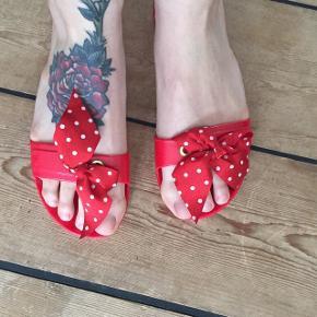 Fine slippers, købt i Rom🌺 De er aldrig brugte, da de er for små til mig, da jeg er en str 39. Købspris 385 kr.