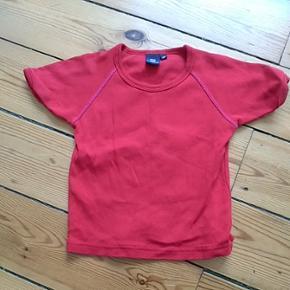 Meget fin rød ugle t-shirt fra Ej Sikke Lej, str. 98