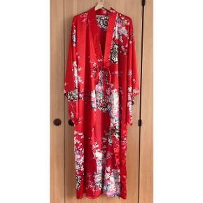 Vintage kimono i polyester. Passer alle størrelser