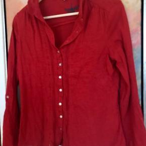 Rød White Stuff skjorte i blødt Jersey. 100 % bomuld. Størrelse 12