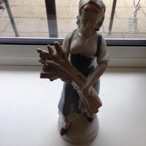 Figur, Ca 20cm H. Tysk porcelæn. Perfekt stand.
