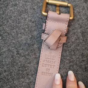 Gucci Marmont matelasse leather belt bag. Color: Dusty pink. Belt size: 95. Serial number: 476434 006896. Paradoxically this bag looks like it wasn't used at all! Bought at Crossroads Trading Co in New York. It's a second hand shop and they are well-known for possibility to find an authentic goods of expensive brands for a way lower prices. They guarantee 100% authenticity of what they sell. It was a very instinctive move to buy this bag as later on I've started to regret it. I don't like colorful bags at all. The price at the Gucci store: 6650dkk