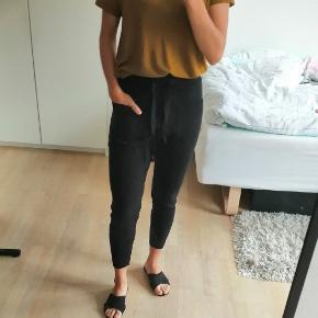 Zara knit strik bukser med snøre foran og lommer.