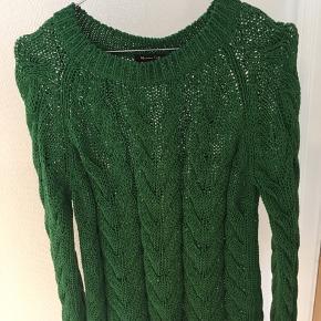 Helt ny sweater fra Massimo Dutti. Aldrig brugt. Byd!