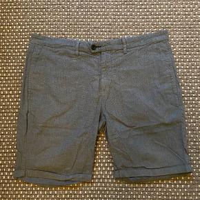 No7 shorts