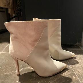 Gestuz støvler
