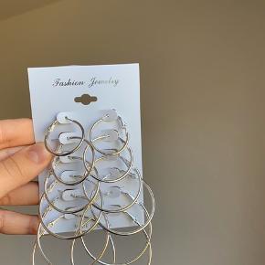Sølv øreringe tilsalg, ligner lidt guld øreringer på billedet, dog er det sølv:)
