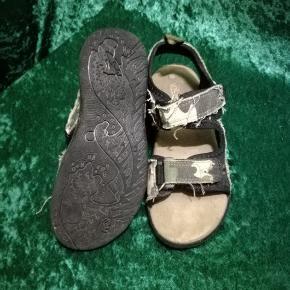 Sandaler til dreng str 32,mærket er Units