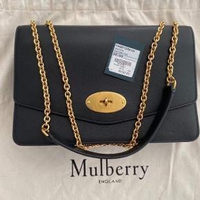 Super flot Mulberry taske Large Darley som ikke længere er på markedet. Kun brugt få gange da det egentlig nok var et fejlkøb. Den er velholdt og ingen mærker. Dustbag medfølger.  BYD  Plads til 6 kort og 2 store rum samt rum med lynlås.