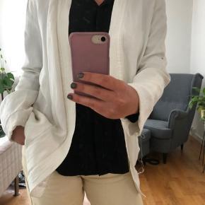 Super fin blazer/kimono/let jakke fra Tiger of Sweden med bånd